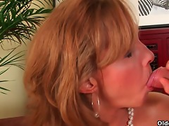 mature lady with hot body acquires fucked on the